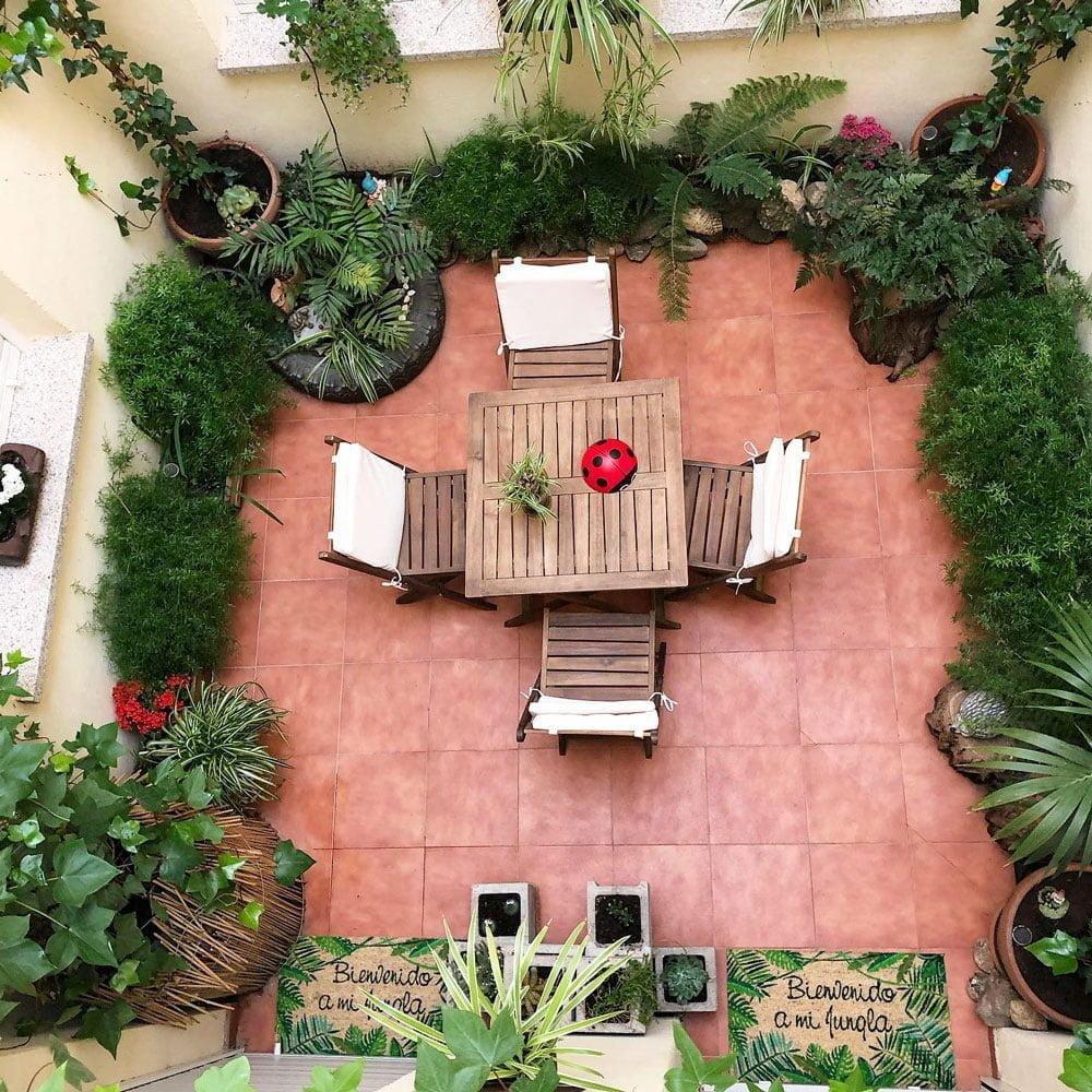 patio interior de los alojamientos rurales cerca de madrid de el capriolo
