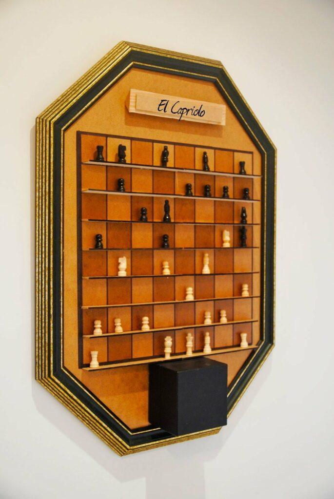 foto detalle ajedrez vertical agroturismo el capriolo alojamientos rurales en la sierra de madrid