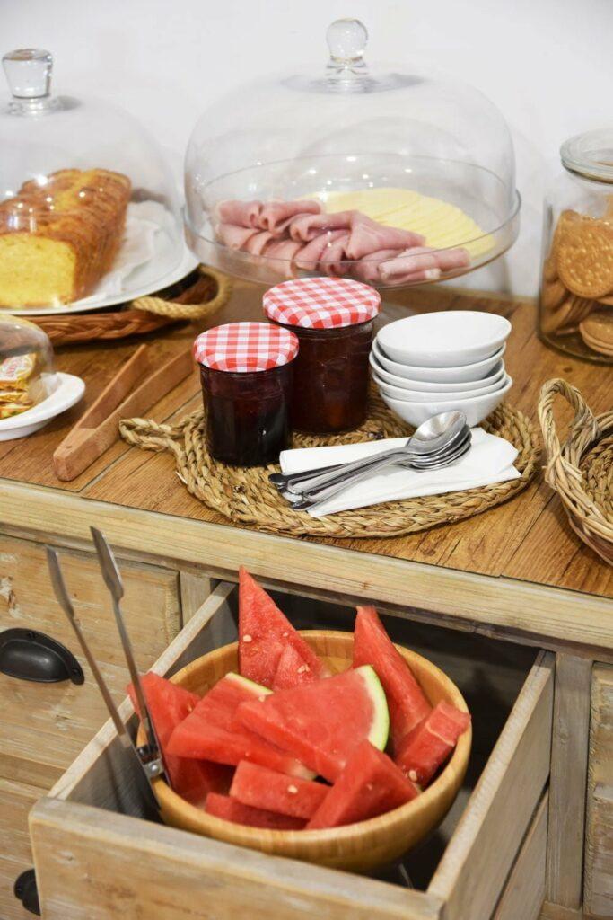 el capriolo desayuno buffet fruta de temporada