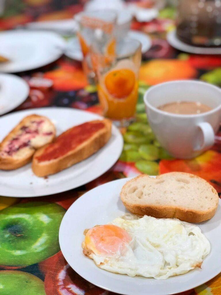 el capriolo desayunos buffet huevos fritos
