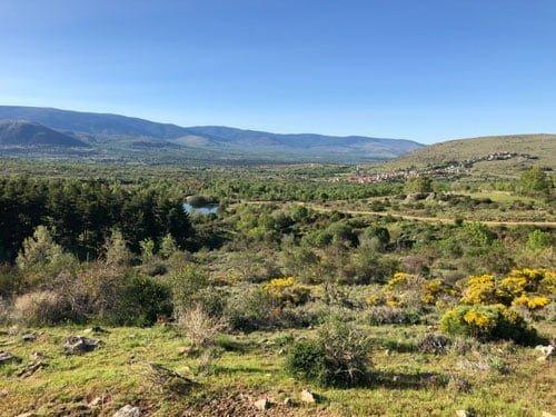 paisaje garganta de los montes